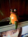 タイ雑貨の店で思わず買ったカエルの木彫り