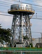 近所の給水塔