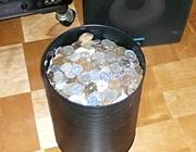 小銭入れのバケツ缶